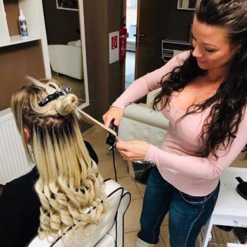 hajhosszabbítás szőke póthajjal